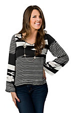 Vintage Havana® Women's Black and White Bell Long Sleeves Fashion Top