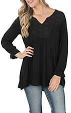 Cowgirl Hardware Women's Black Flowy Lace V-Neck Tunic