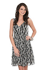 Cowgirl Hardware Women's Black and White Lace Sleeveless Dress