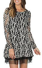 Cowgirl Hardware Women's Black and Cream Lace Long Sleeve Dress