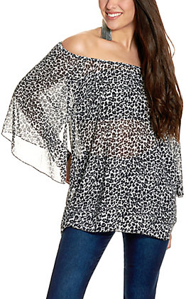 Cowgirl Hardware Women's Silver Grey Leopard Print Angel Sleeve Top