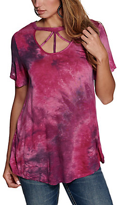 Grace & Emma Women's Purple Tie Dye Cage V-Neck Short Sleeve Tee