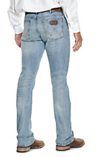 Wrangler Retro Men's Light Wash BearCreek Comfort Slim Boot Cut Jeans