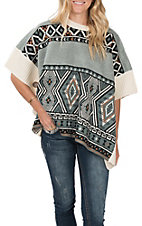 Ethyl Women's Green and Cream Aztec Poncho