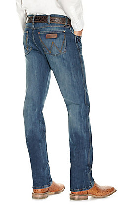 Wrangler Retro Men's Medium Wash Slim Fit Straight Leg Jean