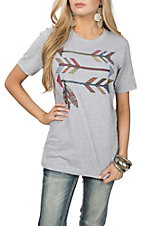 XOXO Art & Co. Women's Grey Arrow Print Short Sleeve T-Shirt