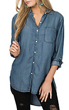 Rock & Roll Cowgirl Women's Light Denim L/S Western Fashion Shirt