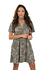 Peach Love Women's Choker V-Neck Camo Short Sleeve with Pockets Dress