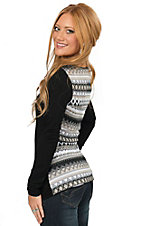 Wired Heart Women's Black with Multi Knit Back Long Sleeve V-Neck Casual Knit Tee