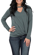 Moa Moa Women's Midnight Green Solid V-Neck Knit Fashion Top