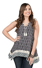 Pink Cattlelac Women's Black and White Diamond Print Sleeveless Fashion Top