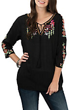 Pink Cattlelac Women's Black Embroidered 3/4 Sleeve Fashion Shirt