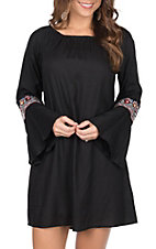 Pink Cattlelac Women's Black Embroidered Sleeve  Dress