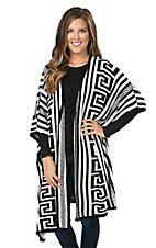 Rancho Estancia Women's Black & White Long Body Sweater Poncho