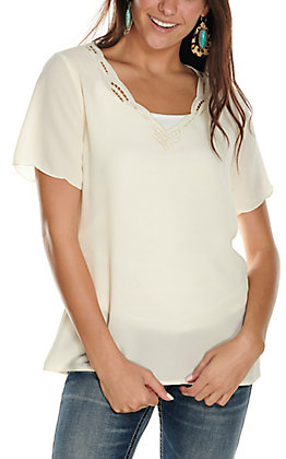 Rockin' C Women's Natural Cream with Cutouts at Scalloped Neckline Short Sleeve Fashion Top