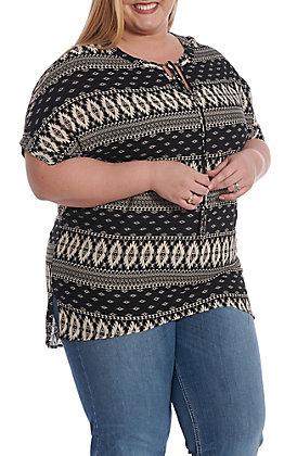 Honeyme Women's Black And White Aztec Print Poncho Fashion Top - Plus Size