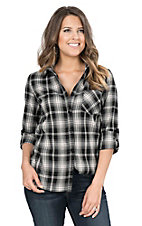 Fantastic Fawn Women's Black & White Plaid Long Sleeve Fashion Shirt