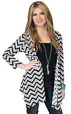 Ethyl Women's Black & White Chevron 3/4 Sleeve Cardigan