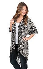 Lore Mae Women's Black and White Paisley Print with Fringe 1/2 Sleeve Cardigan