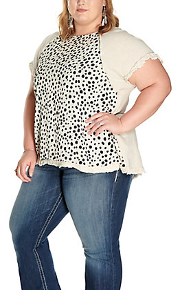 Umgee Women's Oatmeal with Dalmatian Print Front Short Sleeve Top - Plus Size