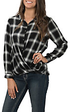 Wishlist Women's Black Plaid Fashion Top