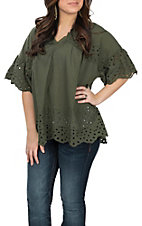 Wishlist Women's Olive Eyelet Short Sleeve Fashion Top