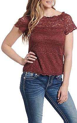 Wishlist Women's Red Bean Lace Short Sleeve Fashion Top